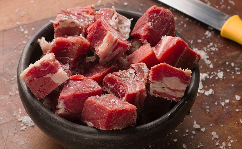 Carne seca feita em casa: tempo de geladeira, como tirar o sal e armazenar?