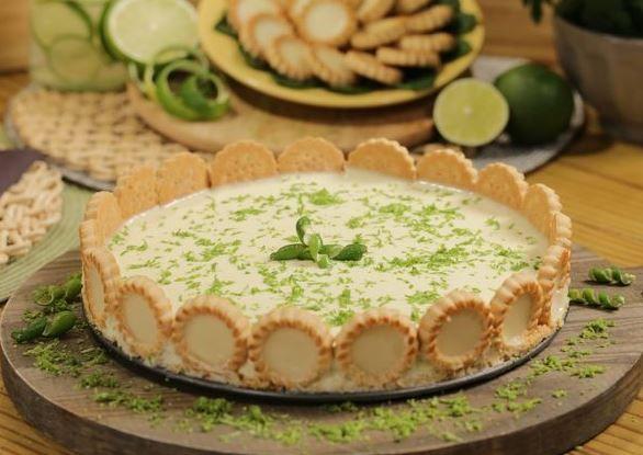 Veja como fazer uma deliciosa torta de limão maravilhosa
