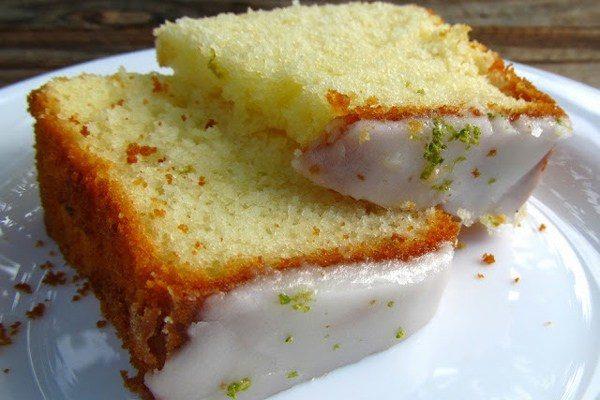 Bolo de leite condensado com casquinha de limão: aprenda receita fácil e deliciosa