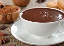 Todo mundo adora chocolate quente.