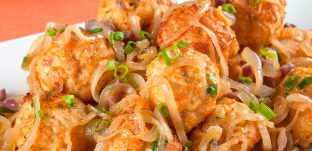 Aprenda a preparar  deliciosa  Almôndega de frango acebolada