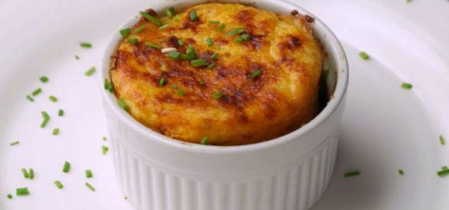 Suflê de batata: receita saborosa com muito queijo fica pronta em 15 minutos