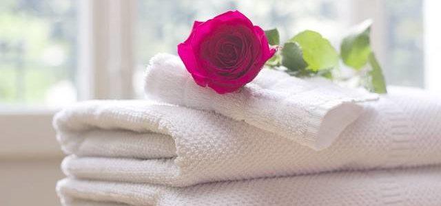 Como fazer as suas toalhas de banho parecerem sempre novas em 3 passos