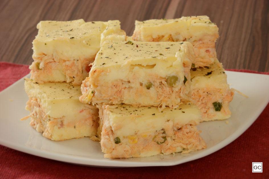 Esta torta cremosa de batata com frango é ideal para você que procura uma receita para incrementar o lanche da tarde